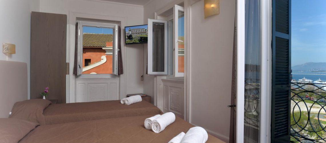 Konstantinoupolis hotel corfu town triple room